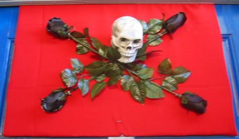 Kate's skull and roses motif