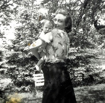 Ruth Anne and baby Steve in 1950